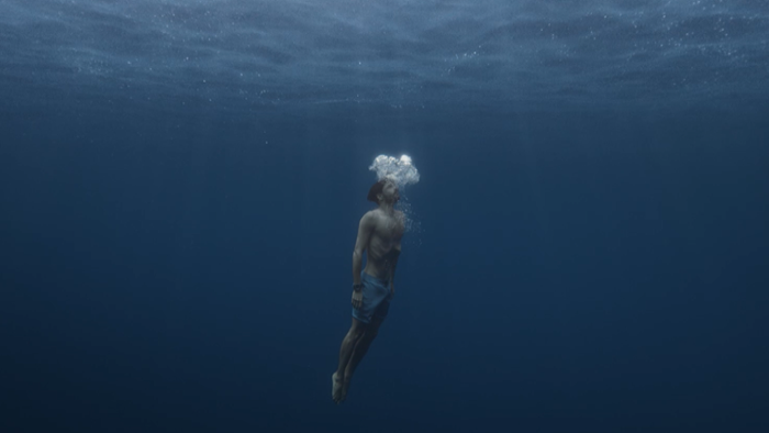 Freedive World Champion in the ocean